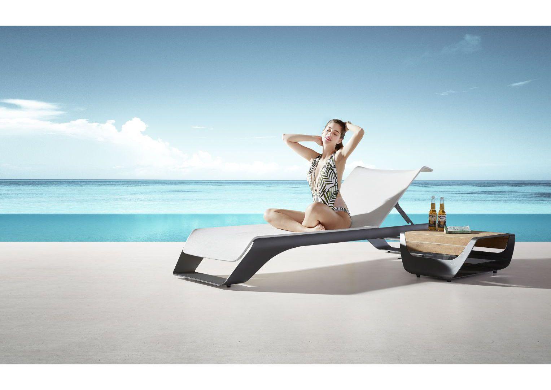 Luksusowy leżak ogrodowy ze stolikiem Higold Onda